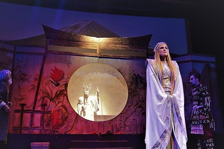 Η νεράιδα του φεγγαριού με τη Σάρα Εσκενάζη