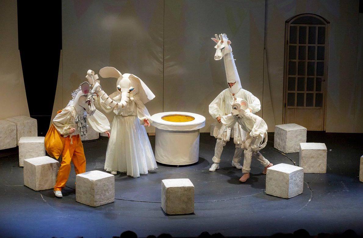 Θέατρο Ρουγγέρη:Το βάλς με τα παραμύθια σε όλη την Ελλάδα