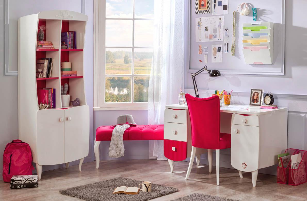 Παιδικά γραφεία για κορίτσια