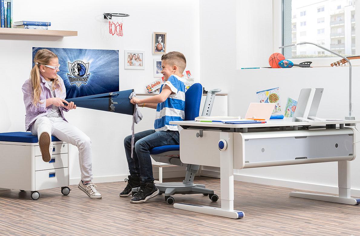 Εργονομικά παιδικά γραφεία